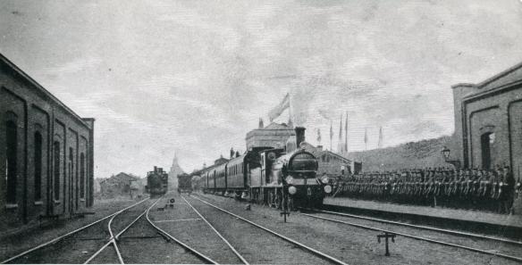 De koninklijke trein vertrekt uit Den Helder. Foto: Peter Collet