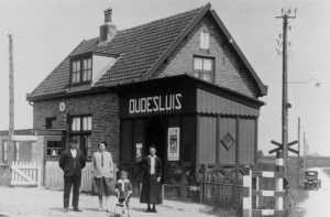 Halte Oudesluis.   foto : fotocollectie Zijper Museum